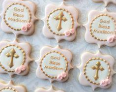 Elegante pastel rosa y oro Cruz bautismal por thesweetesttiers