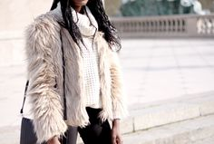 THEDAILYWOMEN: Pullover from DefShop #mode #pull #blog #fashion #photo #fashionista #white #fur #look #streetstyle