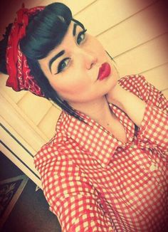 Check out this mini compilation of cute pinup hair styles that require a bandanna to pull off!