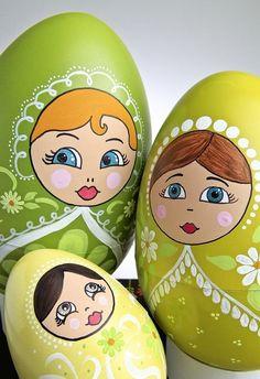 Креативни++велигденски+јајца+,+инспирирани+од+руската+Матрёшка