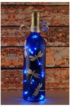 Liquor Bottle Crafts, Glass Bottle Crafts, Wine Bottle Art, Painted Wine Bottles, Lighted Wine Bottles, Bottle Lights, Wine Bottle Lighting, Diy With Glass Bottles, Decorative Glass Bottles