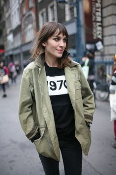 44 Best ideas for fashion week streetstyle alexa chung London Fashion Weeks, Jeanne Damas, Blake Lively, Kate Moss, Her Style, Cool Style, Color Verde Militar, Fashion News, Girl Fashion