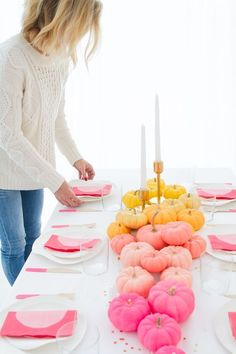 Modern Thanksgiving or pumpkin birthday Decorations and ideas, entertaining tips, party ideas and more from Diy Ombre, Thanksgiving Cocktails, Thanksgiving Recipes, Happy Thanksgiving, Vintage Thanksgiving, Thanksgiving Birthday, Fete Emma, Fall Inspiration, Pink Pumpkins