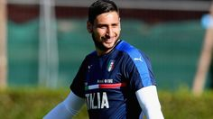 AC Milan want Manchester United and Real Madrid target Gianluigi Donnarumma to sort out his contract before he heads to the European Championships this summer. The goalkeeper is currently … Sport Football, Football Cards, Football Players, Mino Raiola, Transfer Window, Everton Fc, Transfer News, Soccer News, European Championships