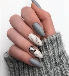 Here are some gorgeous gray nail art design ideas between black and gray nails, pink and grey nails, and gray ombre nails! Nails & Co, Shellac Nails, Hair And Nails, Nail Polish, Acrylic Nails, Glam Nails, Nail Nail, Grey Nail Art, Marble Nail Art
