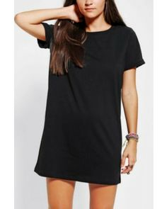 Every girl needs a comfy t-shirt dress in her dress arsenal. You can literally wear it with everything. #divinecaroline #dress #fashion