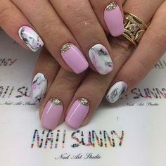 Pink and White Metallic Nail Art Design. Marble with glitter? Yes please! This marble effect with the spark of glitter and pastel color is perfect!