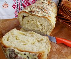 Paine-cu-cartofi-si-cascaval-12 Bread Baking, Bread Recipes, Food And Drink, Kitchen, Braid, Healthy Food, Appetizers, Baking, Cucina
