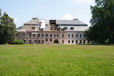 Zámek Valašské Meziříčí (zadní pohled - v rekonstrukci).