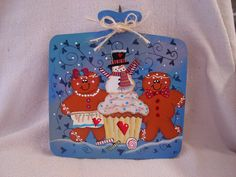 Gingerbread, snowman and cupcake