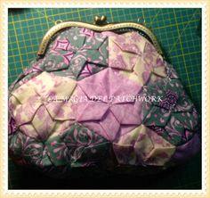 LA MAGIA DEL PATCHWORK: TUTORIAL BOLSO ORIGAMI EN FOTOGRAMA. EN VIDEO http://tiendaonlinelamagiadearcas.blogspot.com.es/2014/01/bolso-de-hexagonos-origami.html