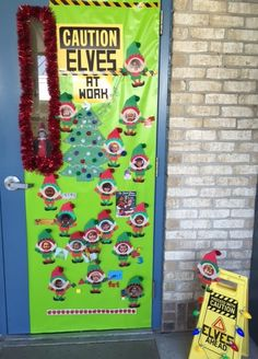 School Holiday Door Decorating Contest This year our school decided to do a door decorating contest. Although I didn't win, the contest made the school look festive, challenged teachers to a little friendly competition, provided … Christmas Door Decorating Contest, School Door Decorations, Office Christmas Decorations, Christmas Classroom Door, Christmas Front Doors, Preschool Christmas, Diy Christmas, The Grinch, Theme Noel