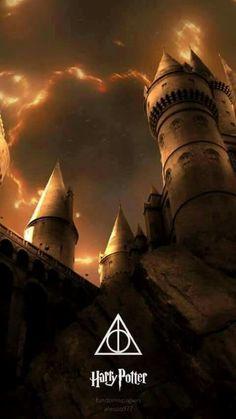 The towers of Hogwarts castle Harry Potter Tumblr, Harry Potter Poster, Harry Potter Château, Mundo Harry Potter, Harry Potter Artwork, Harry Potter Drawings, Harry Potter Wallpaper, Harry Potter Pictures, Hogwarts