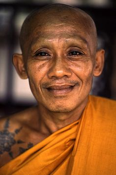 """monk@ubon ratchathani - thailand | ©miguel valle de figueiredo, via Flickr"