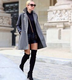 Edgy Winter Style : Love Thigh High Boots by Brooklyn Blonde Brooklyn Blonde, Stuart Weitzman, Outfit Vestidos, Over Boots, High Boots, Black Boots, Looks Black, Winter Stil, Insta Look