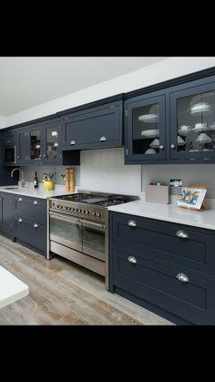 Ideas, Formulas and Shortcuts for Dark Grey Shaker Kitchen - homevignette - Kitchen Ideas Beautiful Kitchen Designs, New Kitchen Designs, Beautiful Kitchens, Design Kitchen, Diy Kitchen, Kitchen Decor, Kitchen Cabinets, Condo Kitchen, Grey Shaker Kitchen