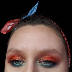 Here is a quick and easy festival eyeshadow look, with bright colours and sparkles, perfect for a beginner. Steps for this makeup tutoria... Airbrush Foundation, How To Match Foundation, Makeup Guide, Makeup Blog, Kids Makeup, Makeup Ideas, Covering Acne, Festival Eye Makeup