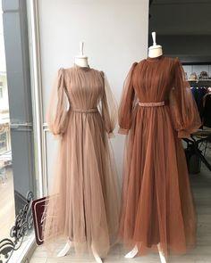 Hijab Evening Dress, Hijab Dress Party, Party Wear Dresses, Evening Dresses, Prom Gowns, Stylish Dress Designs, Stylish Dresses, Elegant Dresses, Pretty Dresses