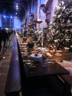 Harry Potter great hall Warner bros studio London all the food was real in the movie