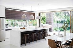 Getting the island right in your kitchen will make or break the space. Here are eight homes with showstopping kitchen islands that elevate everything else to new heights, without compromising on functionality. Large Kitchen Island, Kitchen Island With Seating, Kitchen Benches, Kitchen Stools, Open Plan Kitchen, Kitchen Islands, Kitchen Ideas, Island Bench, Kitchen Inspiration