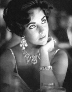 Elizabeth Taylor dripping in diamonds
