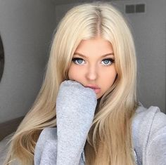 Loren Gray shared by Seville on We Heart It Loren Gray shared by Севиль on We Heart It Picture found by user Seville. Find (and save!) Your own images and videos in We Heart It Loren Gray, Beautiful Eyes, Lace Front Wigs, Pretty Face, Hair Goals, New Hair, Blonde Hair, Hair Beauty, Long Hair Styles