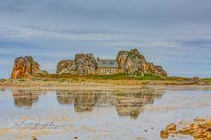La Maison entre les Rochers. by Vincent_Zenon. Please Like http://fb.me/go4photos and Follow @go4fotos Thank You. :-)