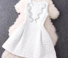 Fashion beaded round neck sleeveless dress