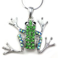 IRISH TREE FROG: Light Shamrock Green Frog Toad Animal Pendant Necklace Charm Silver Tone Fashion Jewelry: Jewelry