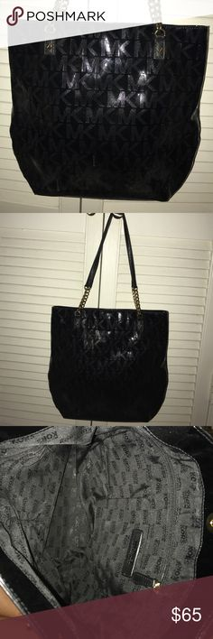 Michael Kors Jet Set Tote - Black Like brand new - absolutely no wear/tear Michael Kors Bags Totes