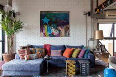 Open house + Brastemp 60 anos - Helinho Calfat. Veja: http://www.casadevalentina.com.br/blog/detalhes/open-house-+-brastemp-60-anos--helinho-calfat-3051 #decor #decoracao #interior #design #casa #home #house #idea #ideia #detalhes #details #openhouse #style #estilo #casadevalentina #livingroom #saladeestar