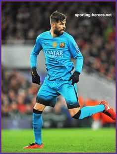 Gerard Pique's big bulge swinging on the football field. More hot men Pique Barcelona, Fc Barcelona, Hot Men, Sexy Men, Hot Guys, Gerad Pique, Sports Mix, We Are The Champions, Soccer World