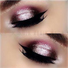 "L V E ! @scklimannmakeup wearing #MotivesCosmetics - Oi gente! A Make de hoje vem cheia de glamour! Amo brilho! Adoro ousar! Ouse! Por mim! ..... Full brightness! Today's! Makeup by me! - Shadows are ""Vino Wildflower Timeless Caramel and Blackout"" @motivescosmetics - Pigment ""Marshmallow"" @motivescosmetics - iluminador em pó 2209 @catharinehilloficial( brilho no centro da pálpebra) - Wicked gel liner and Brushes used are @sigmabeauty - Lashes ""Scarlett"" by @shophudabeauty @hudabeauty…"