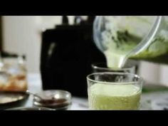 "Video DEMO on PEAR + ALMOND Smoothie by author Amelia Freer who wrote the book ""Eat. Nourish. Glow."""