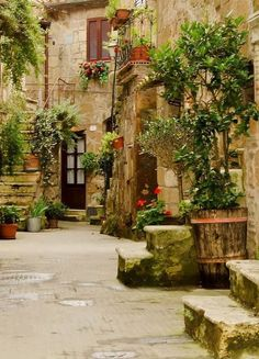 """Pitigliano ~ known as the """" little Jerusaleum"""" located in the heart of Italy:"""