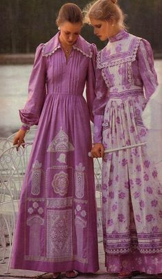 Windswept Romance – ya teen – Girl in the Shadows Miriam Lynch – goofy gothic madness and equally goofy outfits Laura Ashley. Prairie, meet the 60s And 70s Fashion, Seventies Fashion, Look Fashion, Retro Fashion, Vintage Fashion, Vintage Style, Winter Fashion, Vintage Ideas, Fashion Images