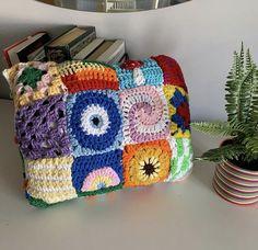 Cute Crochet, Crochet Crafts, Crochet Projects, Knit Crochet, Crotchet, Crochet Clothes, Diy Clothes, Crochet Designs, Crochet Patterns