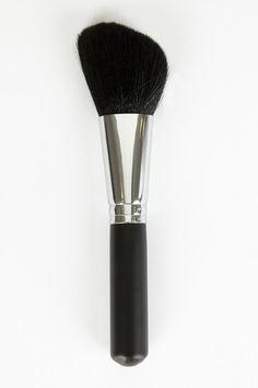 $11 Crown Brushes/Cosmetics is 50-75% off on Hautelook!! SALE!! www.hautelook.com/short/3BwjC