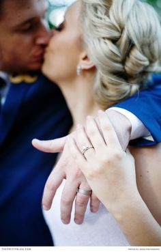 Great ring photo idea! Photography: Adene Photography