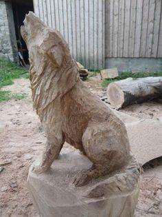 Wood Carving Animals carved with the chainsaw Wood Carving Designs, Wood Carving Patterns, Wood Carving Art, Wood Art, Wood Carvings, Wolf Sculpture, Animal Sculptures, Chainsaw Wood Carving, Wooden Statues