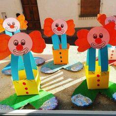 30 Clown-Bastelideen für den Zirkustag – Aluno On - Marye Odell Kids Crafts, Clown Crafts, Circus Crafts, Carnival Crafts, Preschool Art Projects, Fox Crafts, Craft Activities, Preschool Crafts, Diy And Crafts