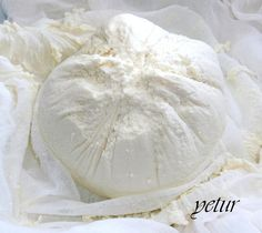 kaymak lezzetinde nefis peynir oluyor.mutlaka tavsiye ediyorum.lezzetini çok beğeneceksiniz..   malzemeler:   1 lt süt (tam yağlı )  ...