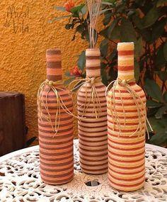 Reciclando e transformando garrafas ganhamos lindos objetos decorativos. Veja que ideias bacanas.