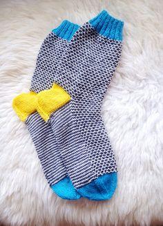 Ravelry: elli004's Broken seed stitch socks