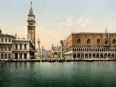 La Place Saint Marc à Venise 1895 by ADOC-PHOTOS (YellowKorner Basel & Zürich,galerie.basel@yellowkorner.com, galerie.oberdorf@yellowkorner.com)