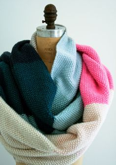 Seed Stitch Scarf. If I can learn to knit this winter I definitely want to make a multi-color scarf inspired by this one.