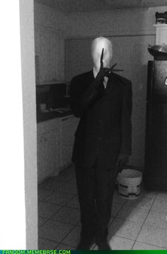 Slenderman Halloween Outfit (gloves)