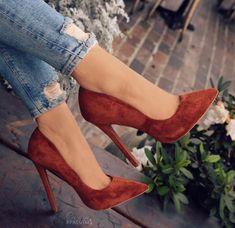 Velvet stilettos with nuce color Stilettos, Pumps, Stiletto Heels, High Heels, Dream Shoes, Crazy Shoes, Me Too Shoes, Fashion Mode, Fashion Heels