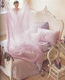 Buttercup Bungalow: Lovely rooms, lilac and rosy hues . Mauve, Lilac, Purple, Bungalow, Lavender Bedding, Cream Bedding, Dreams Beds, Rose Colored Glasses, Beautiful Bedrooms