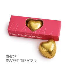 Loving Mom with the things she loves! Chocolate Hearts, Mom Day, Love Her, Mothers, Sweet Treats, Gifts, Sweets, Presents, Candy